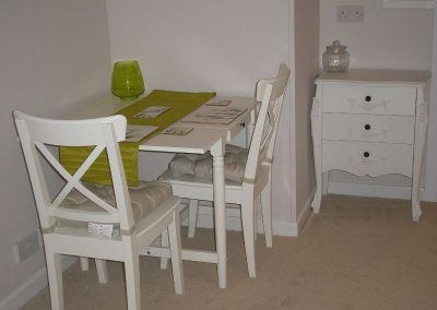 Rhinefield Table & Chairs